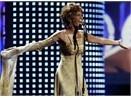 Whitney Houston sap tro lai hinh anh