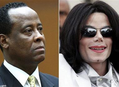 Bac si cua Michael Jackson 'boc lich' 4 nam hinh anh