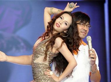 GS Xoay: 'Toi thay co loi voi Phuong Linh' hinh anh