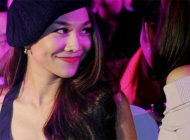 Thanh Hang, Minh Hang rang ro xem live show Ha Ho hinh anh