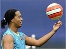 Ronaldinho, Robinho cothe toi VN hinh anh