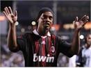 Ronaldinho 'dinh' the do oan hinh anh
