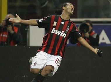 Ronaldinho muon vo dich Brazil truoc khi 'treo giay' hinh anh