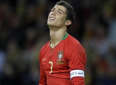 DT Bo Dao Nha: Cristiano Ronaldo la tham hoa? hinh anh