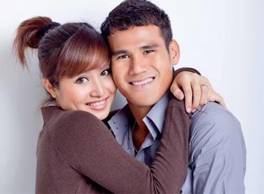 Vo chong Thanh Binh cho don cong chua tuoi Dan hinh anh