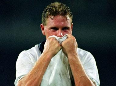 World Cup 1990: Giot nuoc mat cua thien tai Paul Gascoigne hinh anh