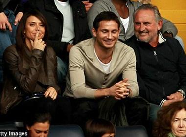 Bo Lampard di xem bong cung 'phu huynh' hinh anh