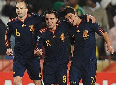 Cau thu Barca 'boi thu' tien thuong tu FIFA hinh anh