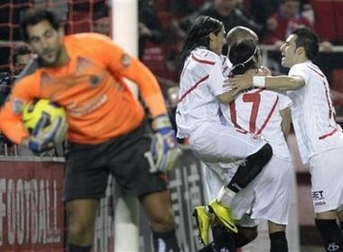 Sevilla vui dap Tau ngam Vang hinh anh