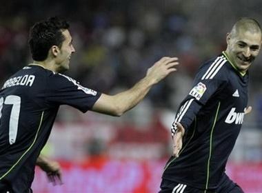 Benzema ben duyen ban thang, Real ca khuc khai hoan hinh anh