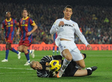 Ronaldo: 'Real se vo dich cup nha Vua' hinh anh