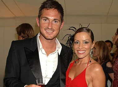 Lampard tuc dien voi vo cu hinh anh