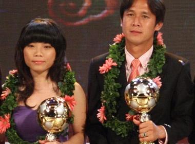 Minh Phuong va Kim Hong gianh Qua bong vang 2010 hinh anh