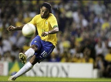 Nhung pha da phat dang cap cua Ronaldinho hinh anh