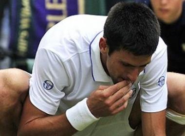 Djokovic 'gam' co de an mung hinh anh