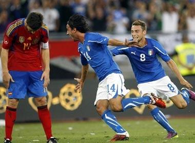 Tay Ban Nha that thu truoc Italy, Duc da bai Brazil hinh anh
