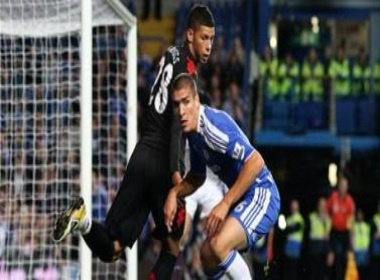 Chelsea vao vong 4 Carling Cup sau loat dau sung hinh anh