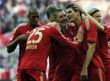 Gomez giup Bayern tim lai mach chien thang hinh anh