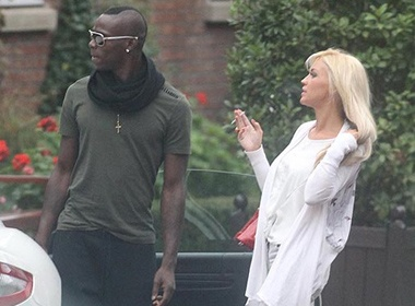 Ban gai di vang, Balotelli hen ho voi ngoi sao khieu dam hinh anh