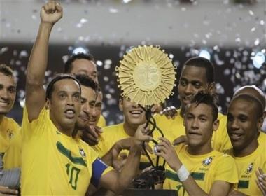 Brazil thu nghiem doi hinh vang mat Ronaldinho hinh anh