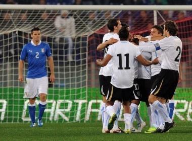 Italy va Phap danh mat the dien truoc Uruguay va Bi hinh anh