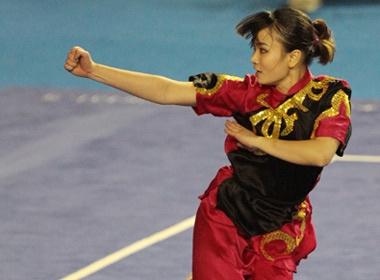 Nhung my nu tren tham dau Wushu SEA Games 26 hinh anh