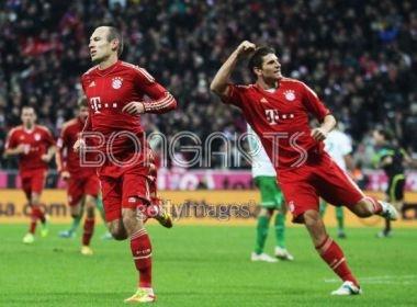 Bayern doat lai ngoi dau, Dortmund suyt khoc han hinh anh