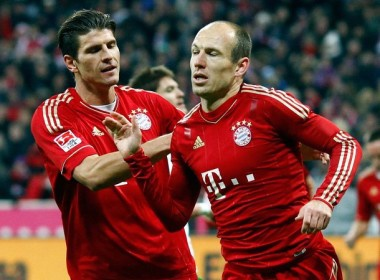 Bayern va Dortmund ruot duoi nhau o vong 16 hinh anh