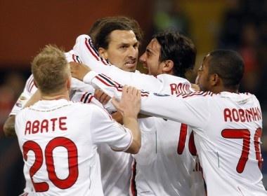 Milan - Siena: Rossoneri quyet danh chiem ngoi dau hinh anh