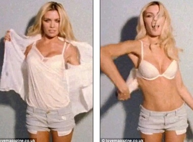 Abbey Clancy nhay mua thoat y mung Giang sinh hinh anh