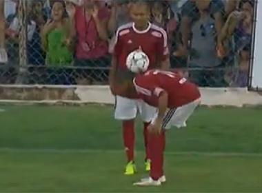 Neymar va Robinho bieu dien free-style tren san bong hinh anh