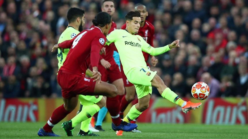 Bị Liverpool loại sốc, Barcelona còn phải trả thêm tiền