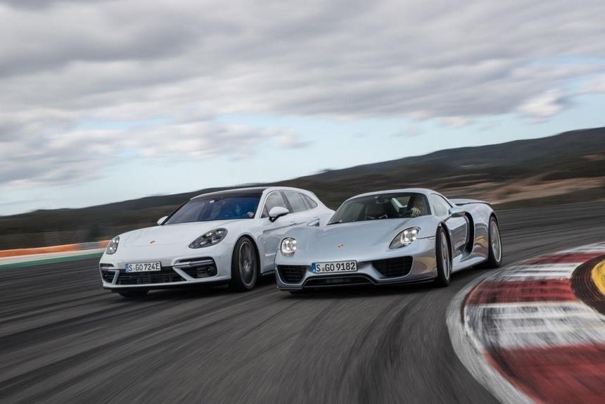 Panamera, chiec sedan thay doi dinh nghia ve xe Porsche tron 10 tuoi hinh anh 6