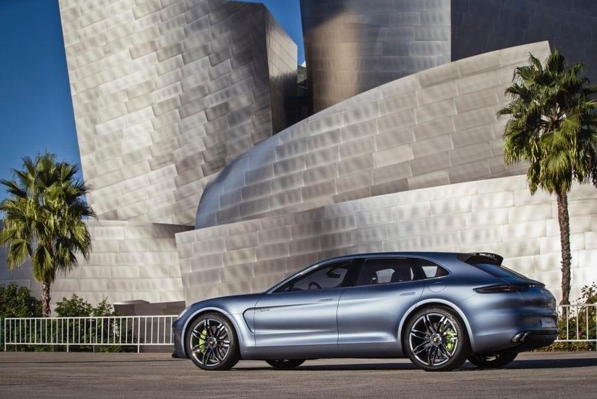 Panamera, chiec sedan thay doi dinh nghia ve xe Porsche tron 10 tuoi hinh anh 7