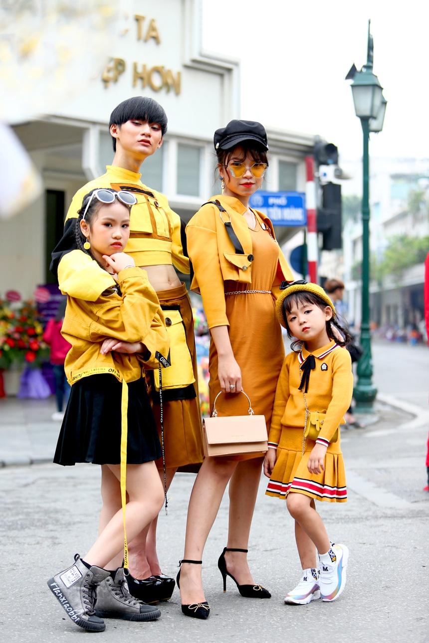 Gioi tre mac loe loet xuong pho khuay dong tuan le thoi trang Viet Nam hinh anh 8