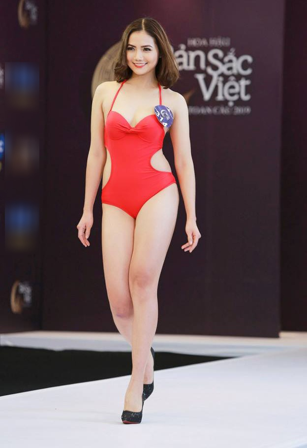 Thi sinh Hoa hau Ban sac Viet mac ao tam thi hinh the: Mat xinh, eo to hinh anh 7