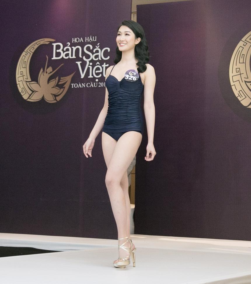 Thi sinh Hoa hau Ban sac Viet mac ao tam thi hinh the: Mat xinh, eo to hinh anh 8