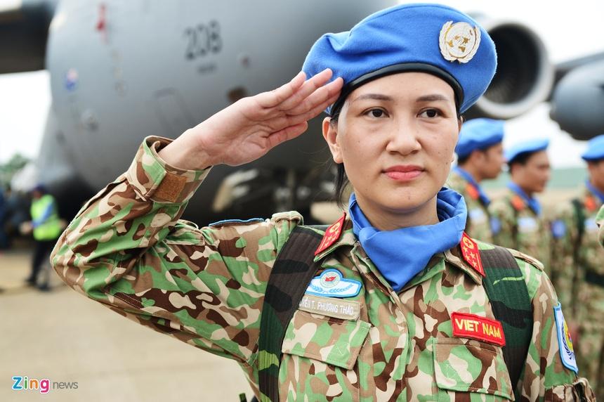 Nhung Bong Hong 'Mu Noi Xanh' Len Duong Lam Nhiem Vu O Chau Phi