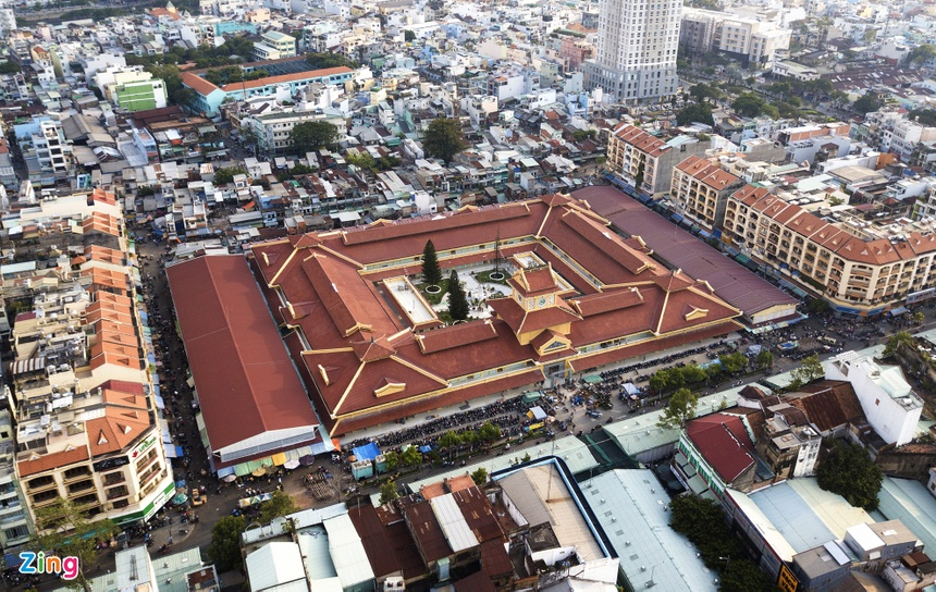 Binh Tay market from above