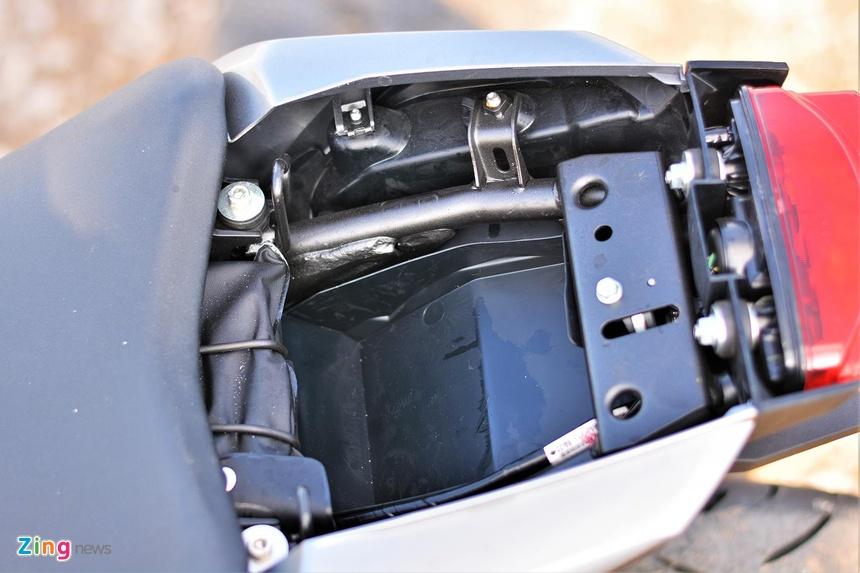 Danh gia kha nang van hanh trong pho cua Honda CB150R Exmotion hinh anh 14