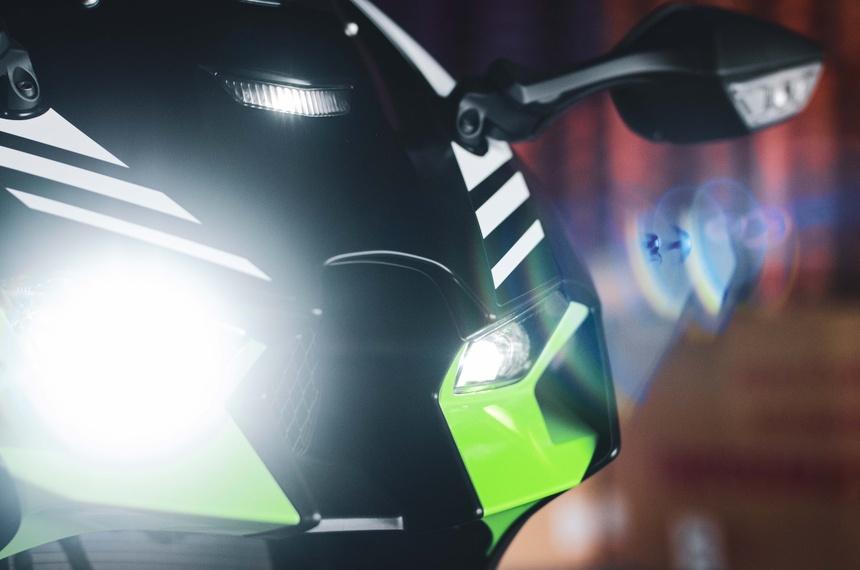 Kawasaki Ninja ZX10R 2021 da xuat hien tai Viet Nam - 3