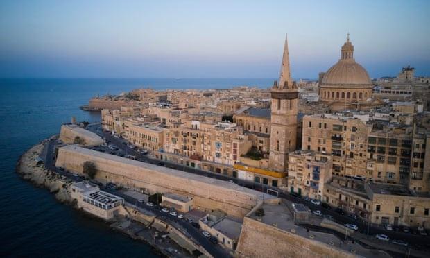doi tien lay ho chieu Malta anh 1