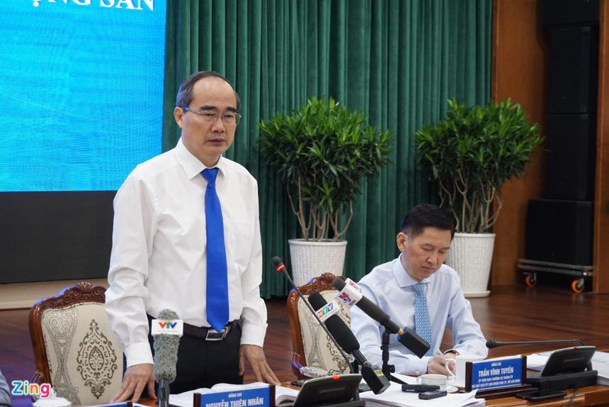CEO Quoc Cuong Gia Lai: 'Xe toi di, nha toi o mang the chap het roi' hinh anh 3