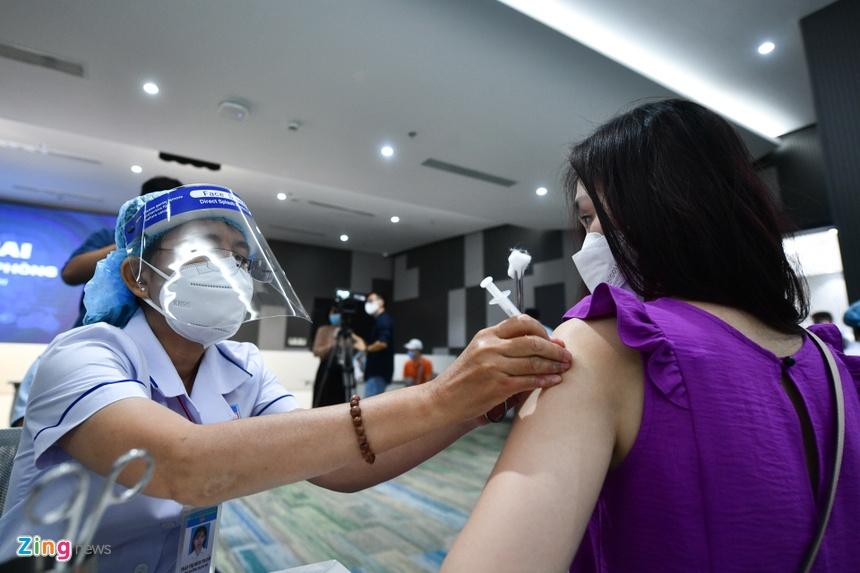 tiem vaccine Covid-19 tai TP.HCM anh 5
