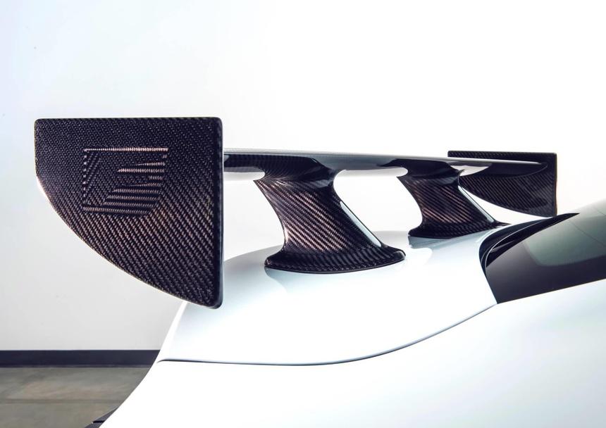 Lexus RC F ban hieu suat cao gia 100.000 USD co xung dang? hinh anh 8
