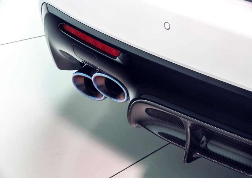 Lexus RC F ban hieu suat cao gia 100.000 USD co xung dang? hinh anh 6