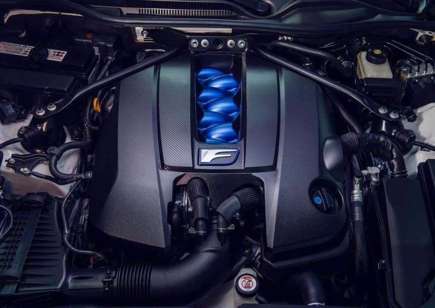 Lexus RC F ban hieu suat cao gia 100.000 USD co xung dang? hinh anh 9