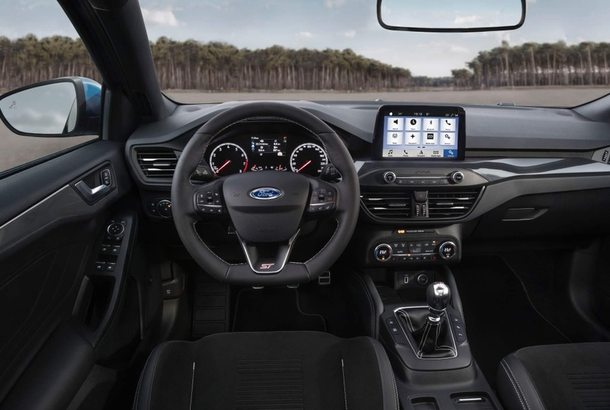 Ford Focus ST manh ngang ngua Mustang, gia tu 38.600 USD hinh anh 9