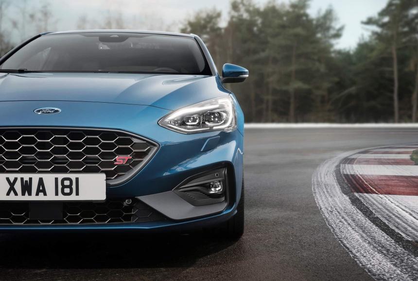 Ford Focus ST manh ngang ngua Mustang, gia tu 38.600 USD hinh anh 5