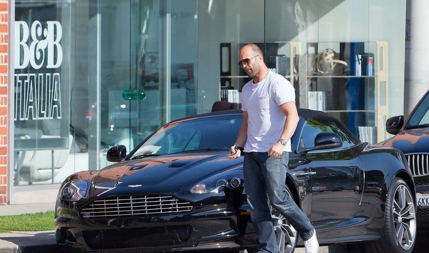 Jason Statham - tay choi xe sung so tu trong phim toi ngoai doi hinh anh 4